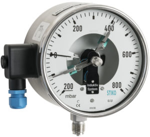 bourdon tube pressure gauge with double inductive contact