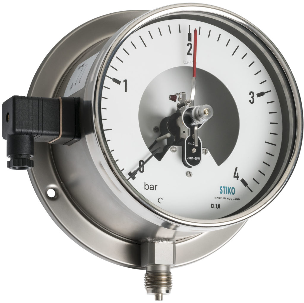 pressure gauge with magnetic contact and back flange