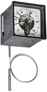 remote-reading thermometer in square glassfibre reinforced noryl case with double magnetic contact
